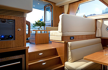 Интерьер салона Linssen Range Cruiser 430 Sedan Variotop