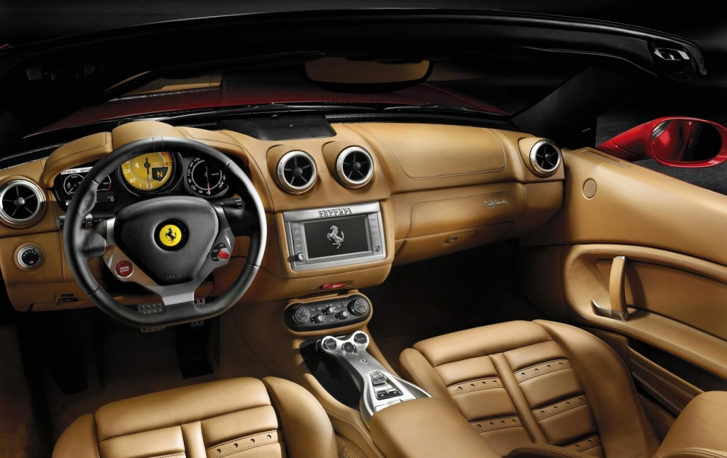 Интерьер Ferrari California
