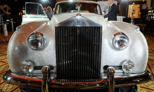 Rolls-Royce Silver Cloud II в кристаллах Swarovski