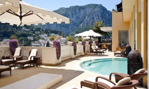 Территория отеля Capri Tiberio Palace