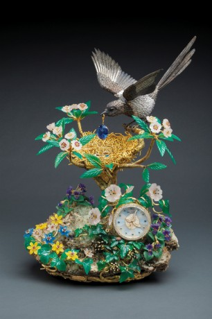 Magpie's Treasure Nest Clock