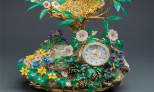 часы Magpie's Treasure Nest Clock