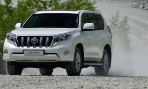 Кроссовер Toyota Land Cruiser Prado 2014