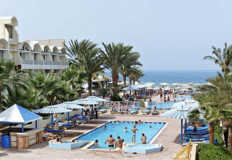 Отель The Three Corners Triton Empire Beach Resort