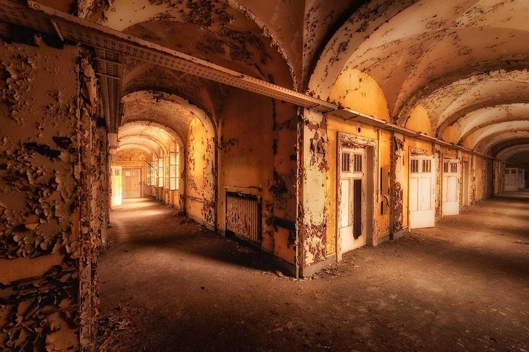 Urbex photography by Vincent Jansen